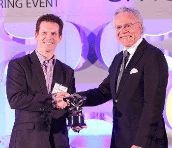 EOS Founder Dr Hans J Langer receives SME Additive Manufacturing Industry Achievement Award at RAPID 2016